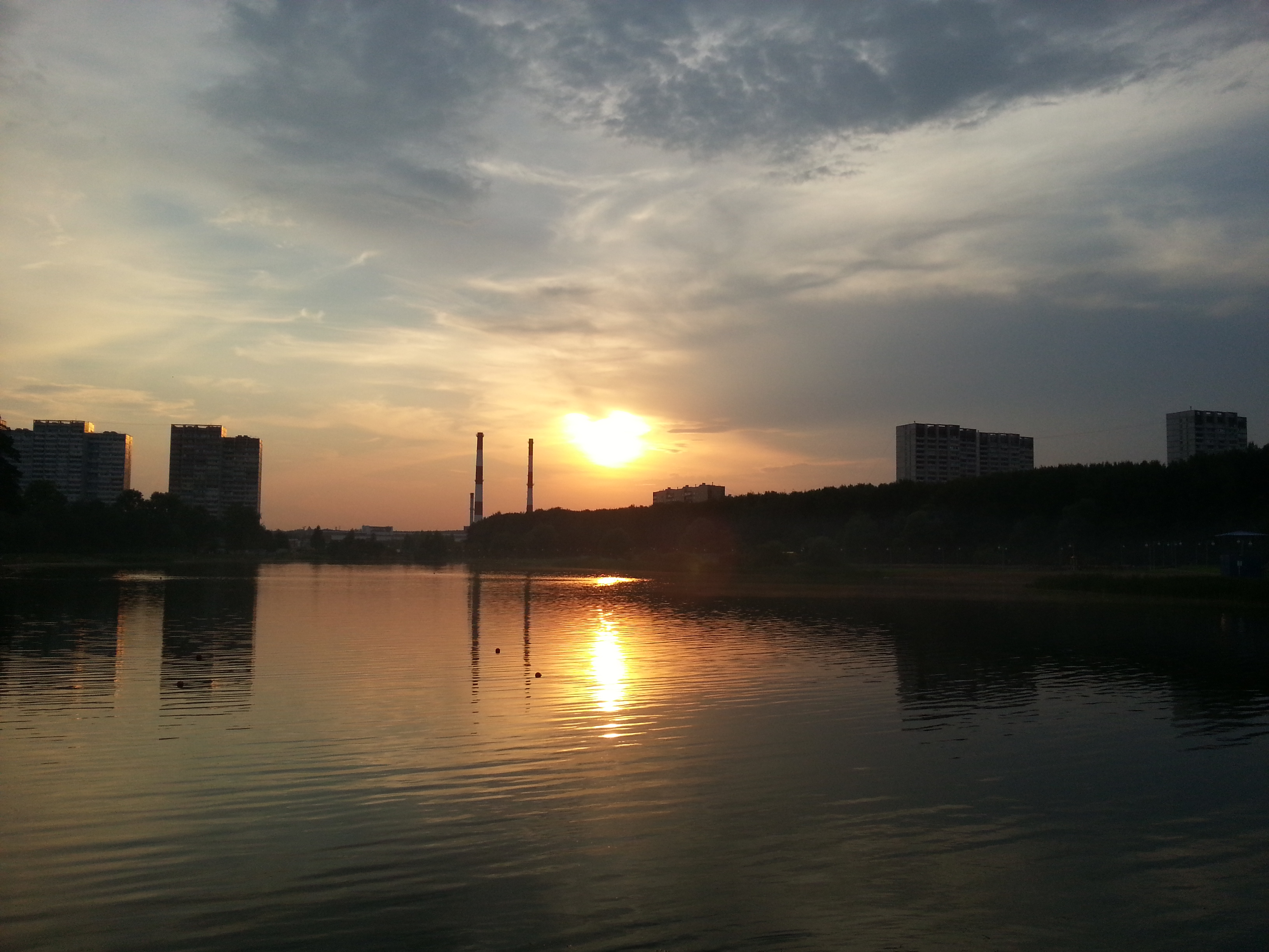 Закат на Школьном озере