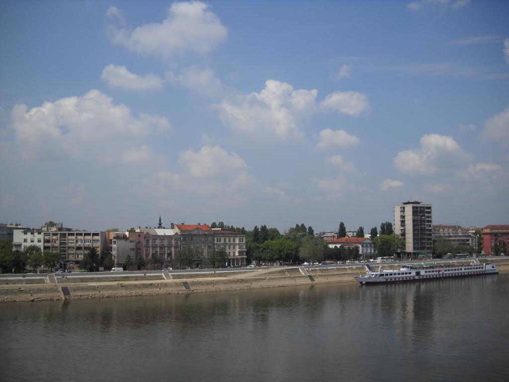 Новый Сад и Дунай