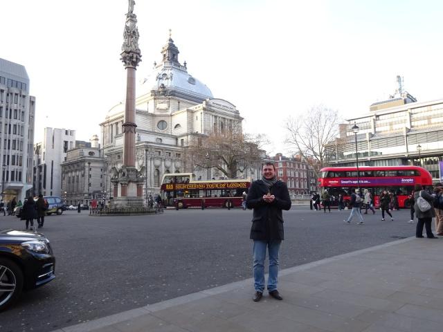 Площадь рядом с Вестминстерским аббатством
