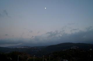 Темнеет в горах