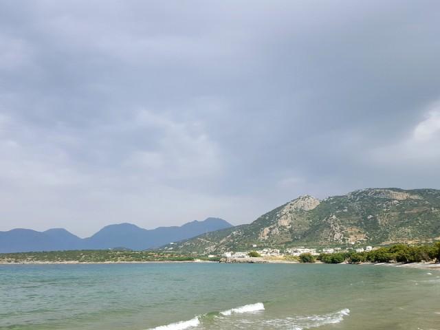 Дикий пляж возле Истро